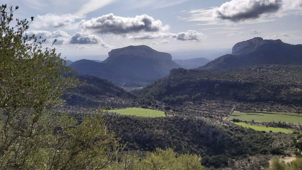 Puig de s'Alcadena visto desde Ruta Los Tres Miles desde Orient