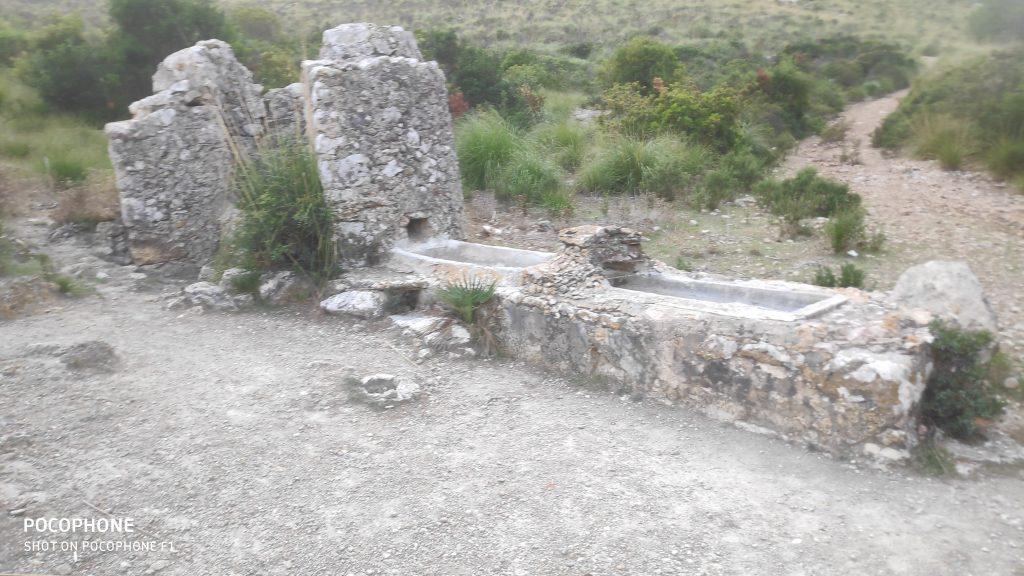 Pozo de Ses Sinies en la ruta Puig de Galatzó por Ses Planes