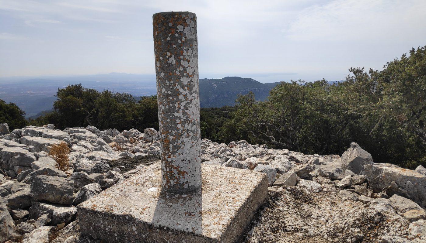 Vértice Geodésico que señala la cima del Puig de Sa Mola de Planicia