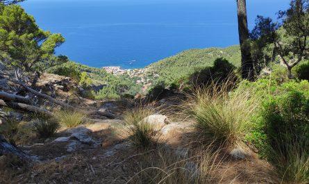 Vista del Puerto de Valldemossa desde el final del Pas des Moros