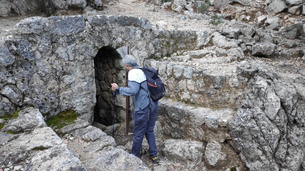 Fuente en el camino de la Ruta del Puig Tomir por el Paso del Diablo