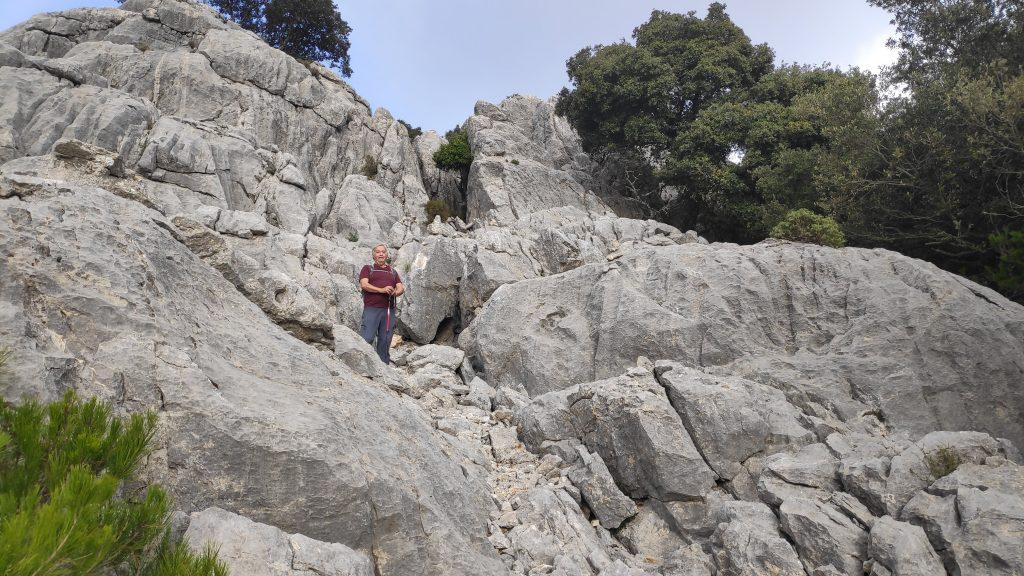Trepando por el Pas des Marc del Puig de Alfàbia desde Orient