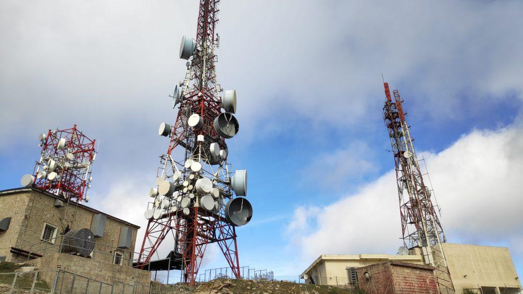 Antenas de Alfàbia en el Puig de Alfábia