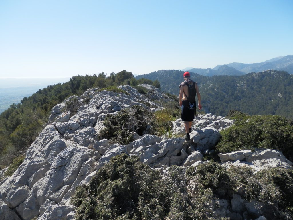 En la cima del Puig d'en Costurerer de la Ruta Puig d'en Costurerer