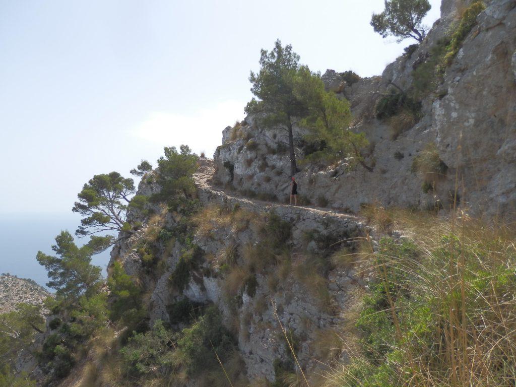 Pas de  s'Aritja en la ruta La Peña Roja y la Atalaya de la Victoria