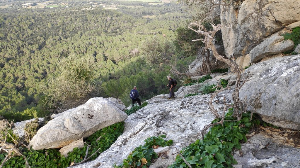 Superando el paso de la Ruta Puig de Son Vila-Ses Covasses