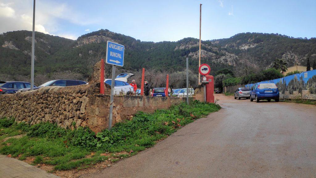 Aparcamiento municipal en La Ruta del Puig de Garrafa